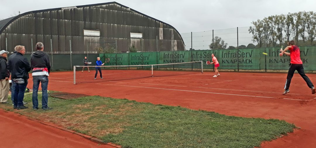 Clubmeisterschaften aktuell: Spitzenspiel im Herbstwetter