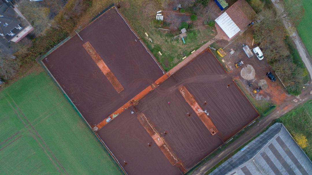 Tennisplatz aus der Vogelperspektive